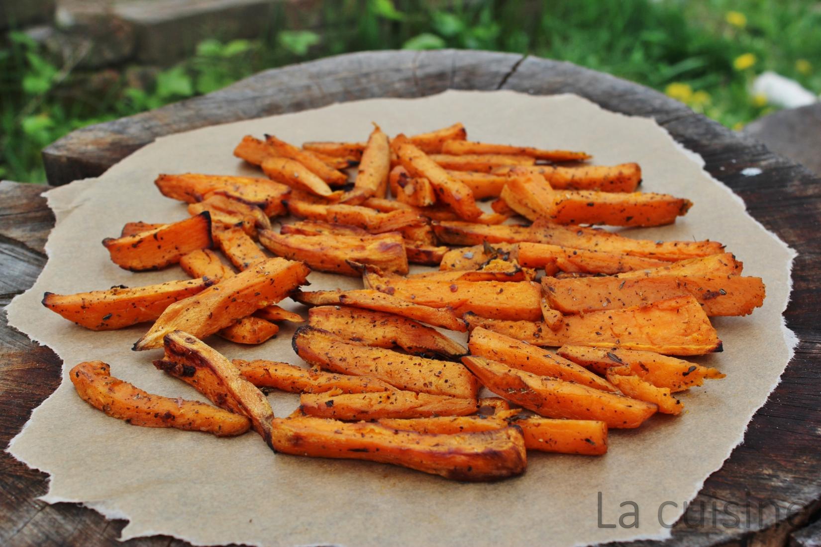 Сладки картофи, печени на фурна