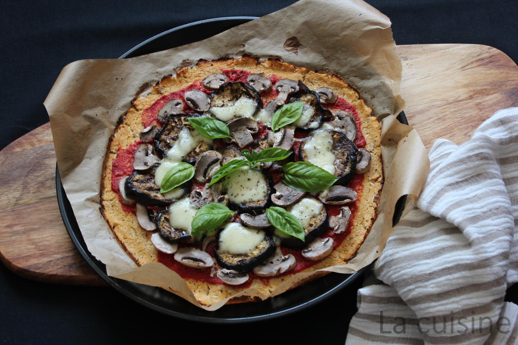 Пица със зеленчуков блат