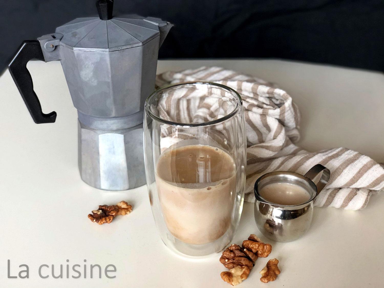 Орехово мляко